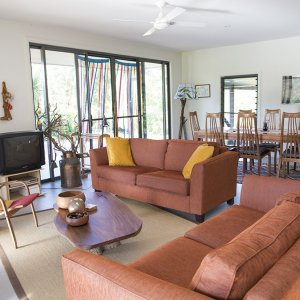 Farmstay Lodge Guest Lounge & Dning Area - Australian Horse Riding Holiday Accommodation