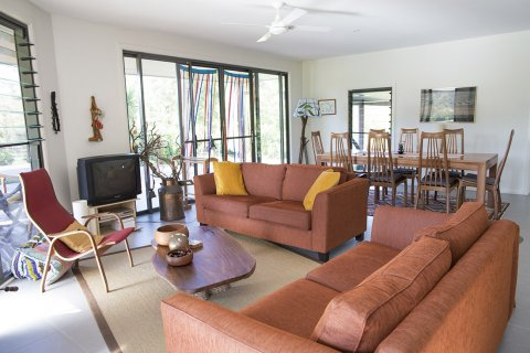 Horse Riding Farm Lodgings - Guest Lounge